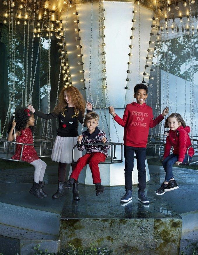 Ники Минаж снялась  в рождественской кампании H&M. Изображение № 7.