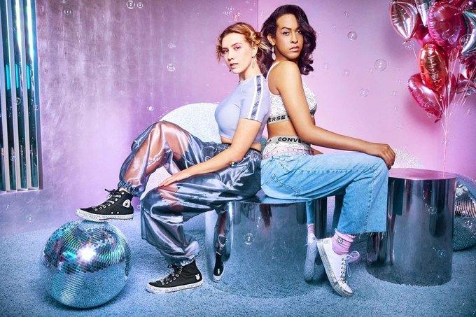 Майли Сайрус сделала кеды для Converse. Изображение № 11.