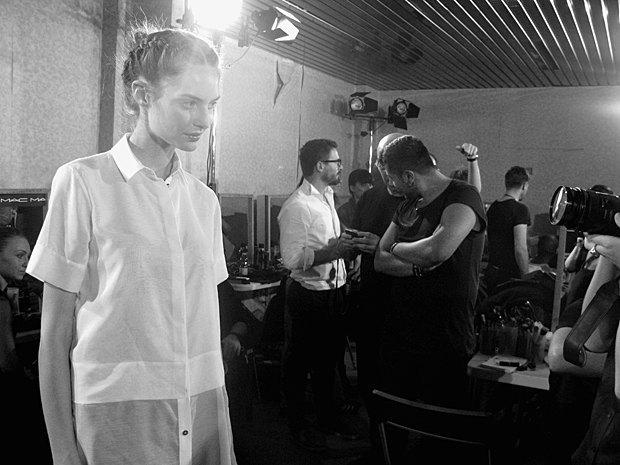 Репортаж:  Бэкстейдж Moschino  SS 2014. Изображение № 16.