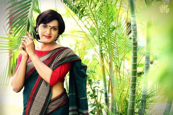 Дизайнер из Индии сняла трансгендеров  в рекламе сари. Изображение № 2.