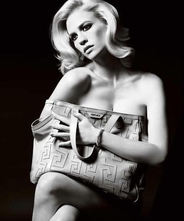 Актриса Дженьюари Джонс в рекламной кампании аксессуаров Versace SS 2011. Изображение № 54.