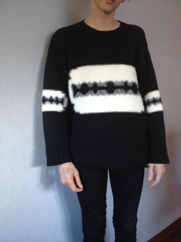 Сэм в новом свитере YSL. Изображение № 2.