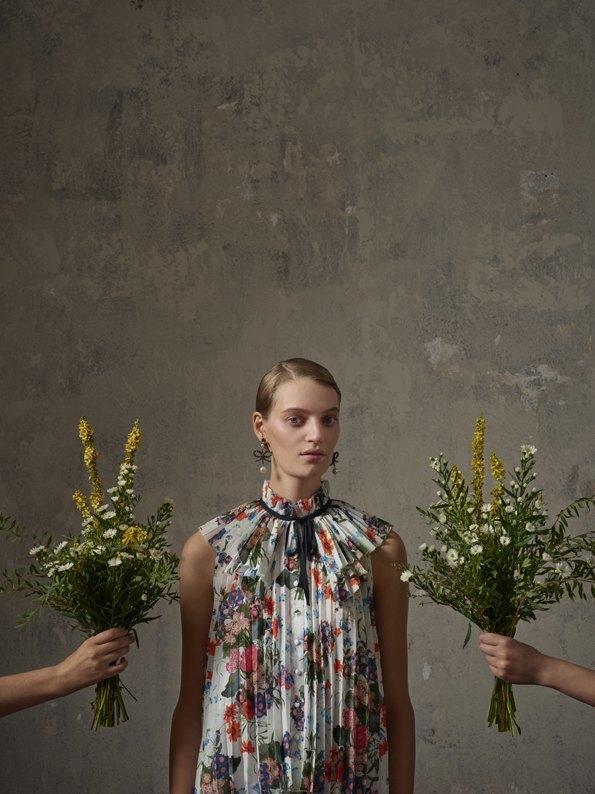 Вышел лукбук коллаборации  Erdem x H&M. Изображение № 15.