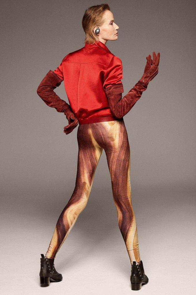 В лукбуке Acne Studios снялась 78-летняя супермодель Верушка. Изображение № 8.