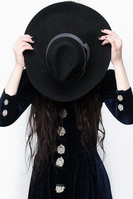 Фотограф Виолетт Эль о любимых нарядах. Изображение № 23.