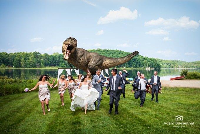 Джефф Голдблюм помог паре превратить свадьбу в «Парк Юрского периода». Изображение № 1.