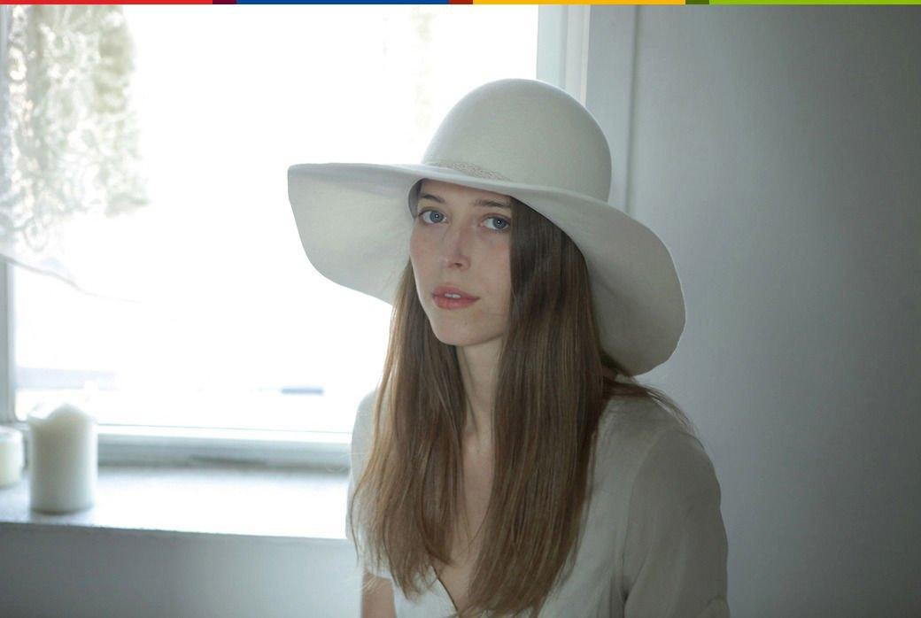 Тело в шляпе: Дизайнер аксессуаров Дани Грифитс и ее коллекция головных уборов. Изображение № 2.