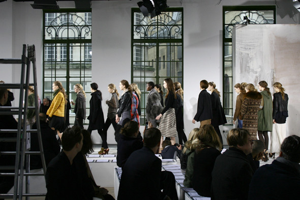 London Fashion Week: бэкстейдж показа Acne. Изображение № 10.