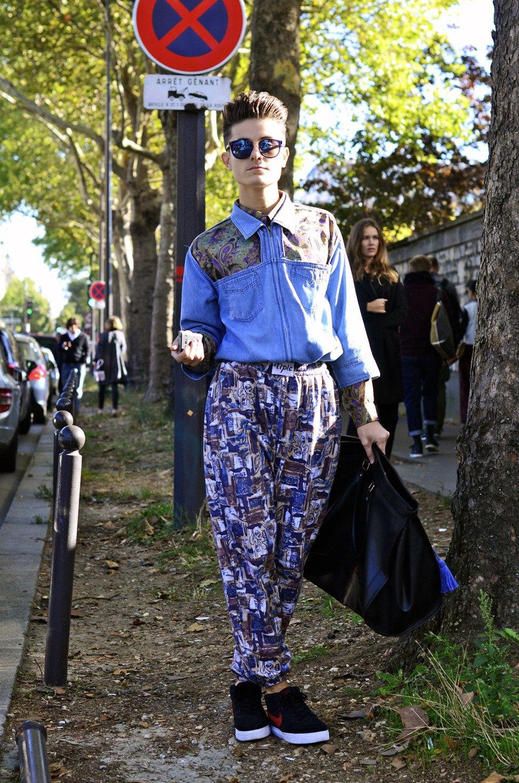 Парень в камуфляже, девушка-Микки-Маус и другие гости Paris Fashion Week. Изображение № 12.