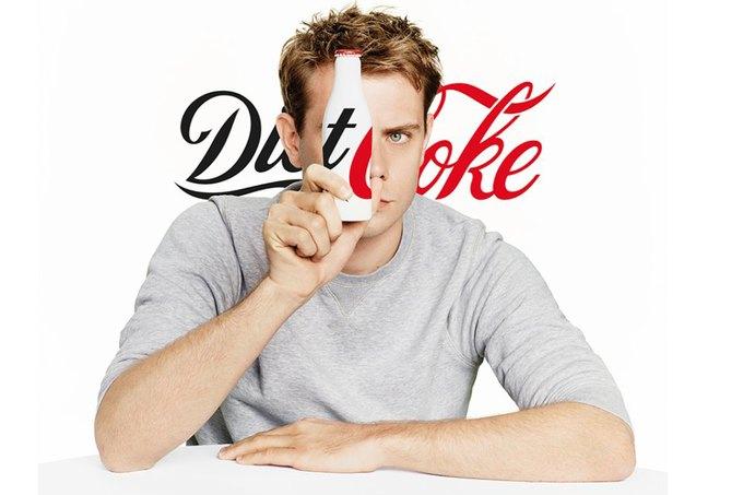Джонатан Андерсон разработал дизайн бутылки Diet Coke. Изображение № 1.