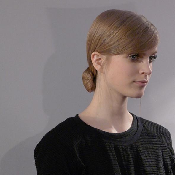 Milan Fashion Week: бэкстейдж Alberta Ferretti. Изображение № 25.