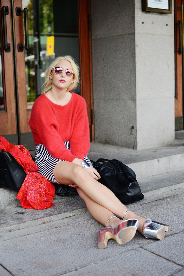 Парни в криперах и девушки в шортах на Неделе моды в Стокгольме . Изображение № 10.