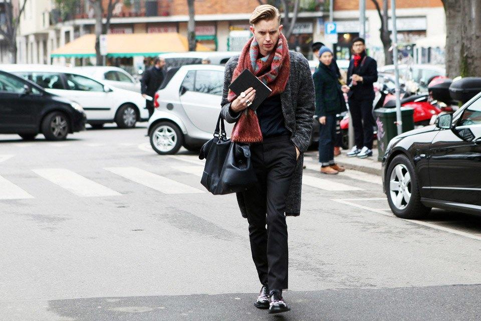 Анна Делло-Руссо, Элеонора Каризи и другие гости Миланской недели моды. Изображение № 23.