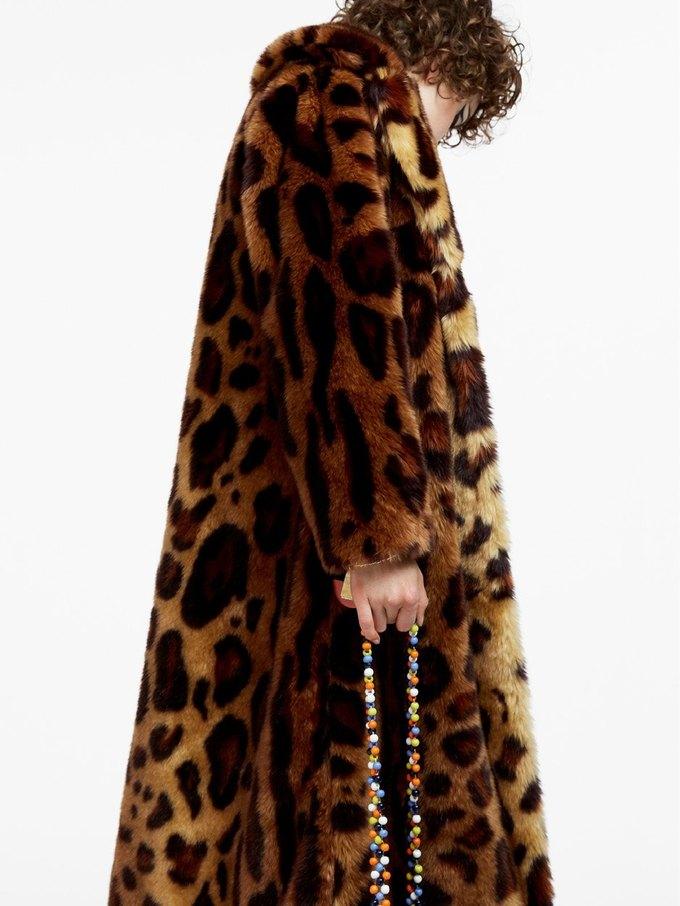 Цветы, леопард и вельвет  в осенне-зимнем лукбуке ASOS. Изображение № 6.