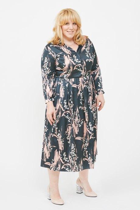 Директор по маркетингу «Эконика» Ирина Зуева о любимых нарядах. Изображение № 2.