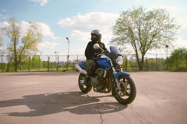 Я и друг мой мотоцикл: Девушки о мотоспорте  и своих байках. Изображение № 1.