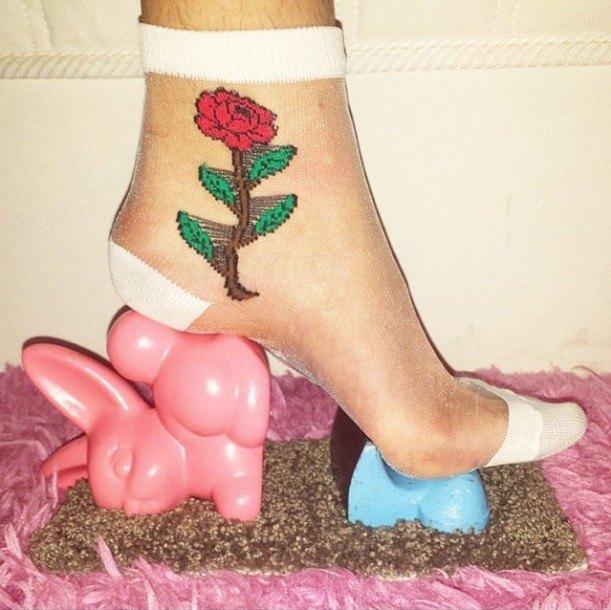 Новый тренд Instagram — «туфли» из подручных предметов. Изображение № 3.