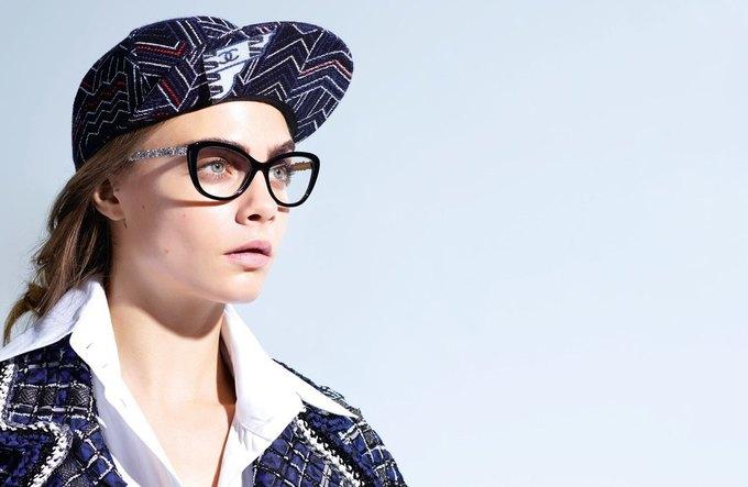 Кара Делевинь снялась  в новой кампании Chanel. Изображение № 2.