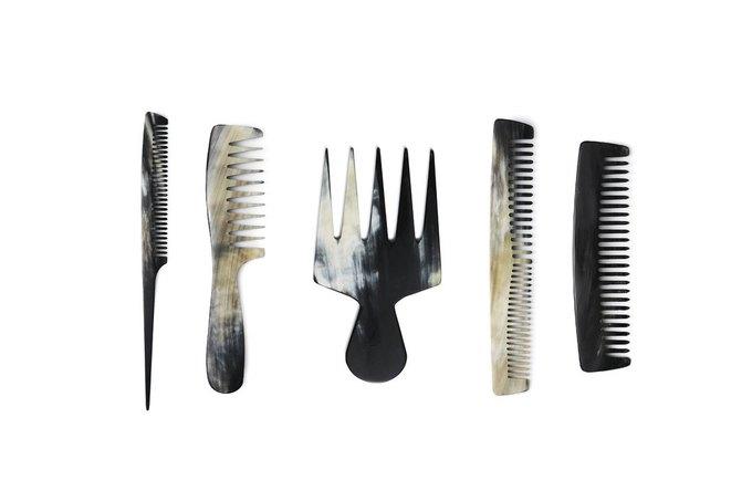 Парфюмерная марка Byredo теперь выпускает красивые расчёски. Изображение № 1.