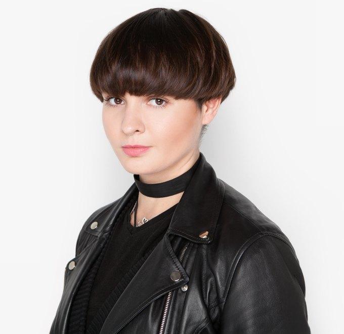 Парикмахер Екатерина Конорева об уходе за волосами и косметике. Изображение № 1.