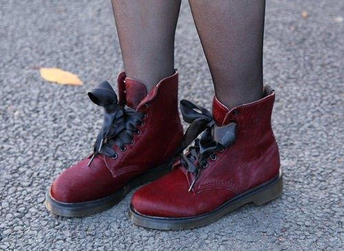 Красные шапки и бархатные ботинки на улицах Токио. Изображение № 5.