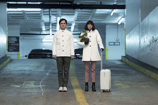 Сериал «Маньяк»: Эмма Стоун, Джона Хилл и компьютер в депрессии . Изображение № 8.