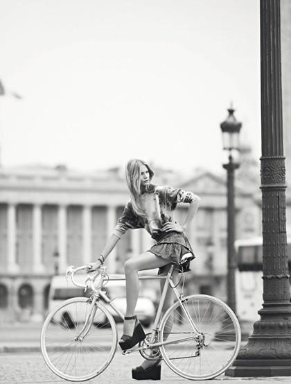 Ах, лето: Фэшн-съемки с велосипедами. Изображение № 18.