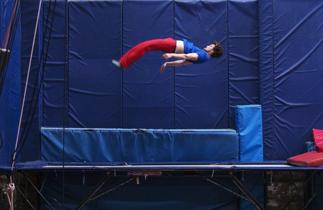 Как начать заниматься  гимнастикой на батуте. Изображение № 1.