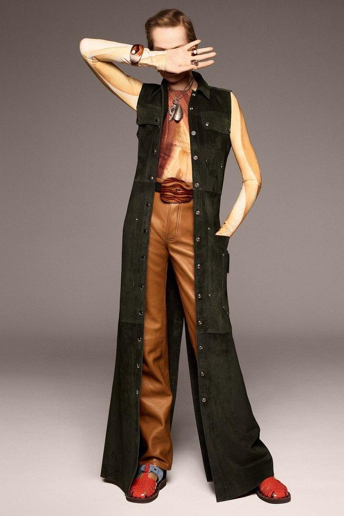 В лукбуке Acne Studios снялась 78-летняя супермодель Верушка. Изображение № 4.