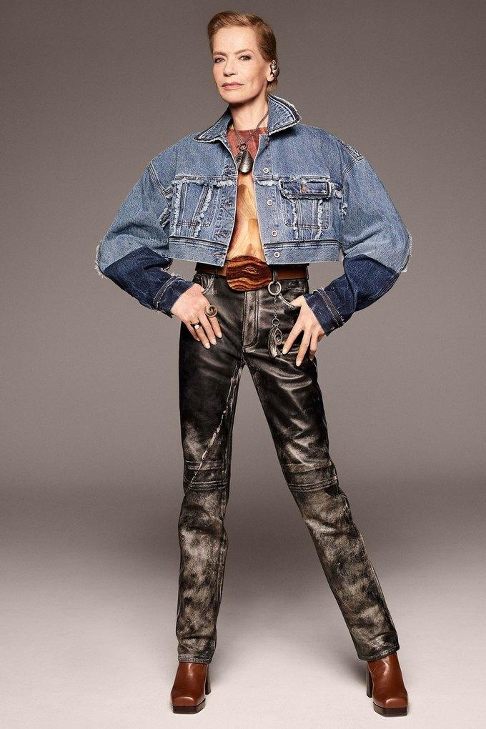 В лукбуке Acne Studios снялась 78-летняя супермодель Верушка. Изображение № 1.