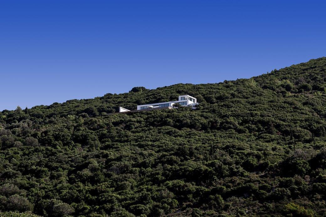 Вилла в Греции,  вдохновленная  Ивом Кляйном. Изображение № 7.
