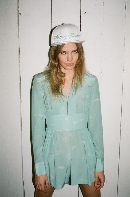Пижамы, комбинации и халаты в новой коллекции Walk of Shame. Изображение № 8.