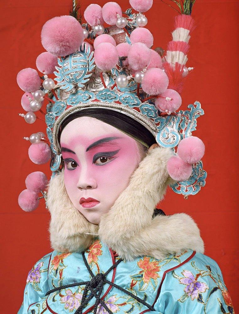 «Opera»: Студенты Пекинской оперы  в традиционных костюмах. Изображение № 10.