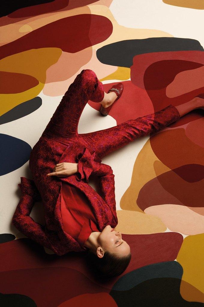 Полотна художницы Клаудии Валселс в новом лукбуке Uterqüe. Изображение № 6.