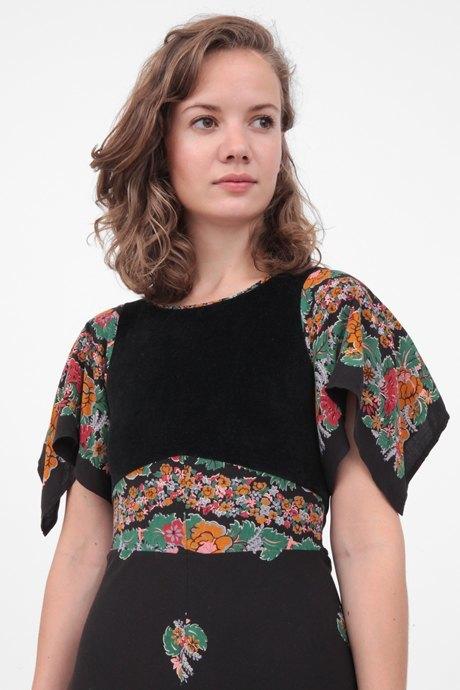 Редактор светской хроники журнала Tatler Маша Лимонова о любимых нарядах. Изображение № 7.