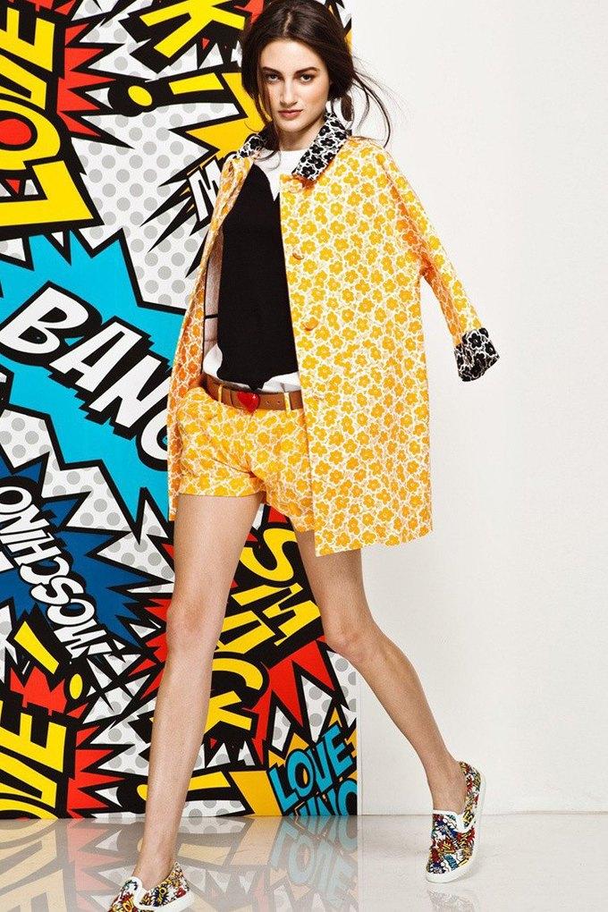 Яркие принты и костюмы в лукбуке Love Moschino. Изображение № 16.