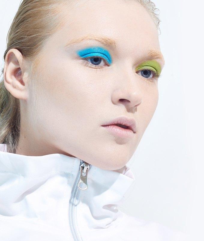 Как носить яркие тени: 6 вариантов макияжа. Изображение № 2.