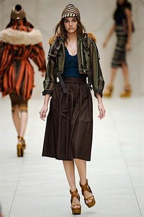 London Fashion Week: Показ Burberry Prorsum в Кенсингтонских садах. Изображение № 18.