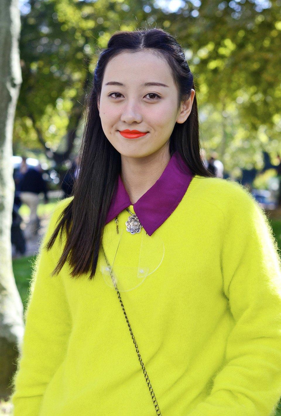Парень в камуфляже, девушка-Микки-Маус и другие гости Paris Fashion Week. Изображение № 36.