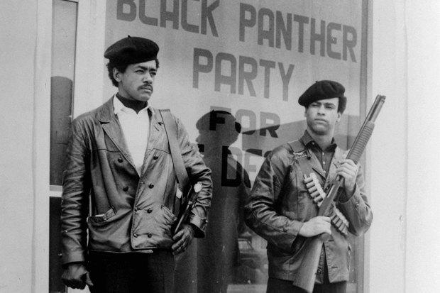 От траура до «Золотого глобуса»: Как чёрный стал цветом протеста и солидарности. Изображение № 7.