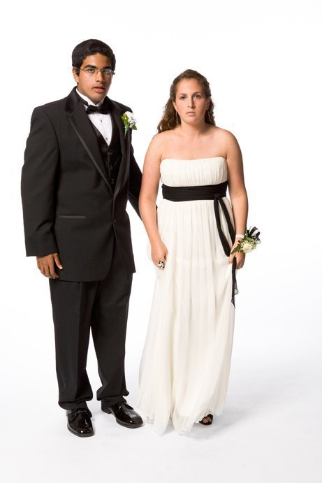 «Выпускные пары»:  Нарядные и неловкие. Изображение № 12.