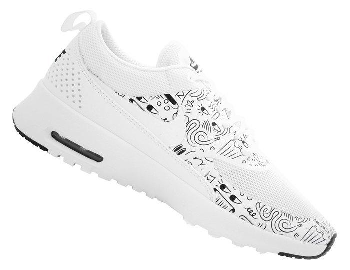 Лучшие кроссовки на осень: Выбор стилистов  и сникерхедов. Изображение № 12.