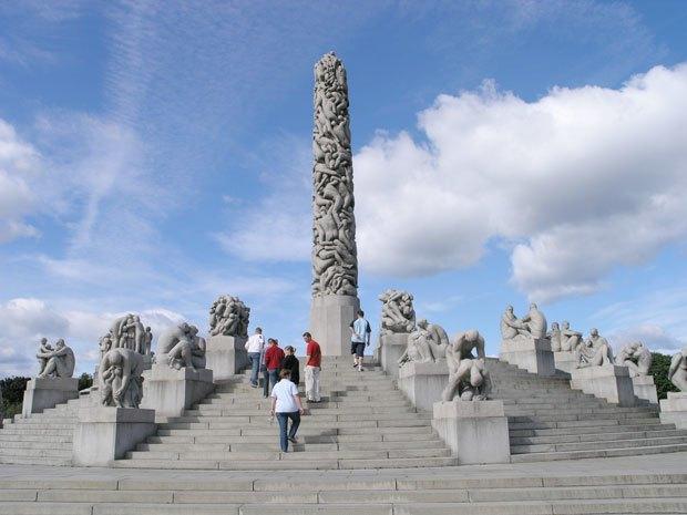 Всем встать: 10 фаллических монументов  в разных городах мира. Изображение № 3.