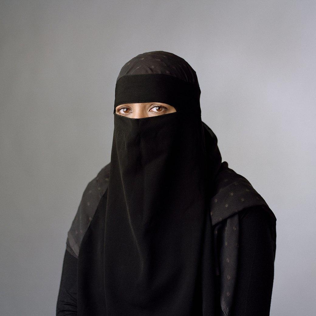 «Purdah»:  Женщины о традиции  покрывать голову. Изображение № 2.