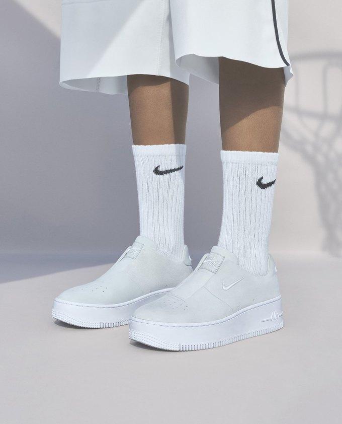 14 женщин-дизайнеров переосмыслили культовые кеды Nike. Изображение № 2.