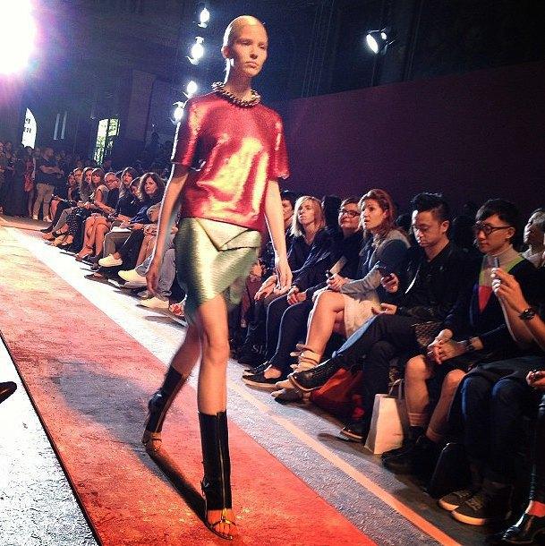 Главные показы  первого дня Paris Fashion Week. Изображение № 6.