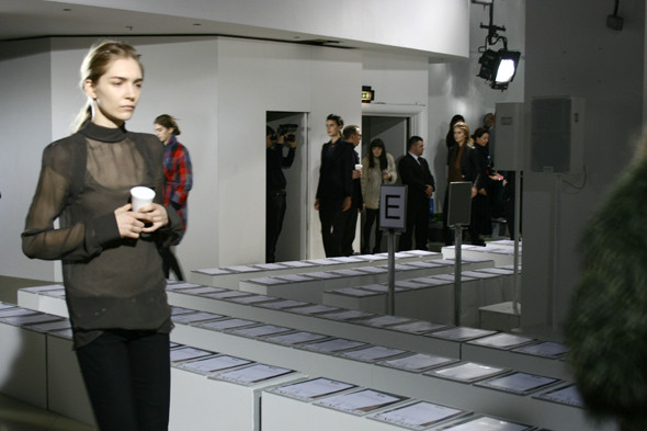 London Fashion Week: бэкстейдж показа Acne. Изображение № 12.
