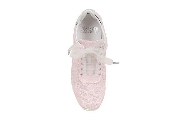 По следам Chanel: Luisa Via Roma и Casadei сделали кружевные кроссовки. Изображение № 6.