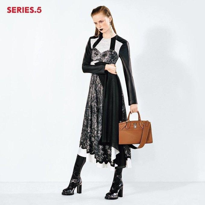 Селена Гомес стала лицом новой коллекции Louis Vuitton. Изображение № 4.