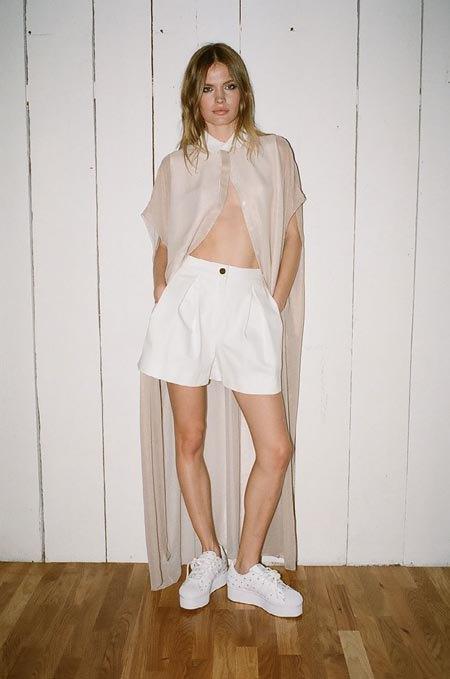 Пижамы, комбинации и халаты в новой коллекции Walk of Shame. Изображение № 22.